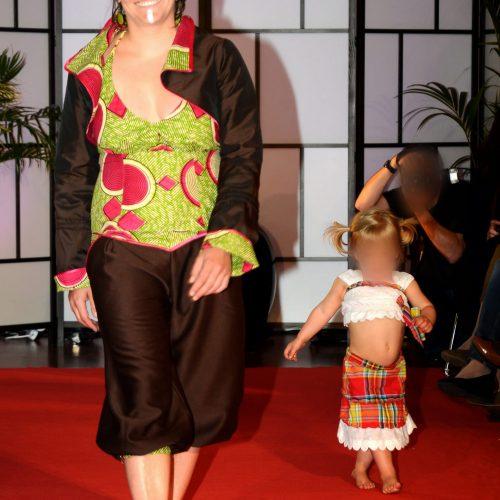 Ensemble Femme et Costume Enfant